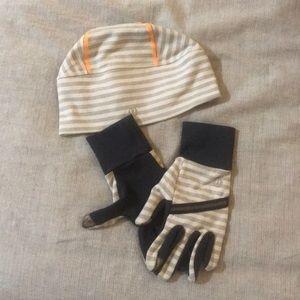 EUC Lululemon Running Hat and Smart Gloves
